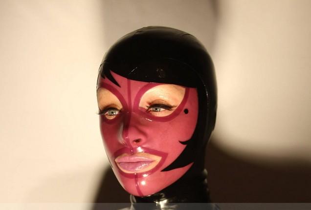 Latex Paris Hood
