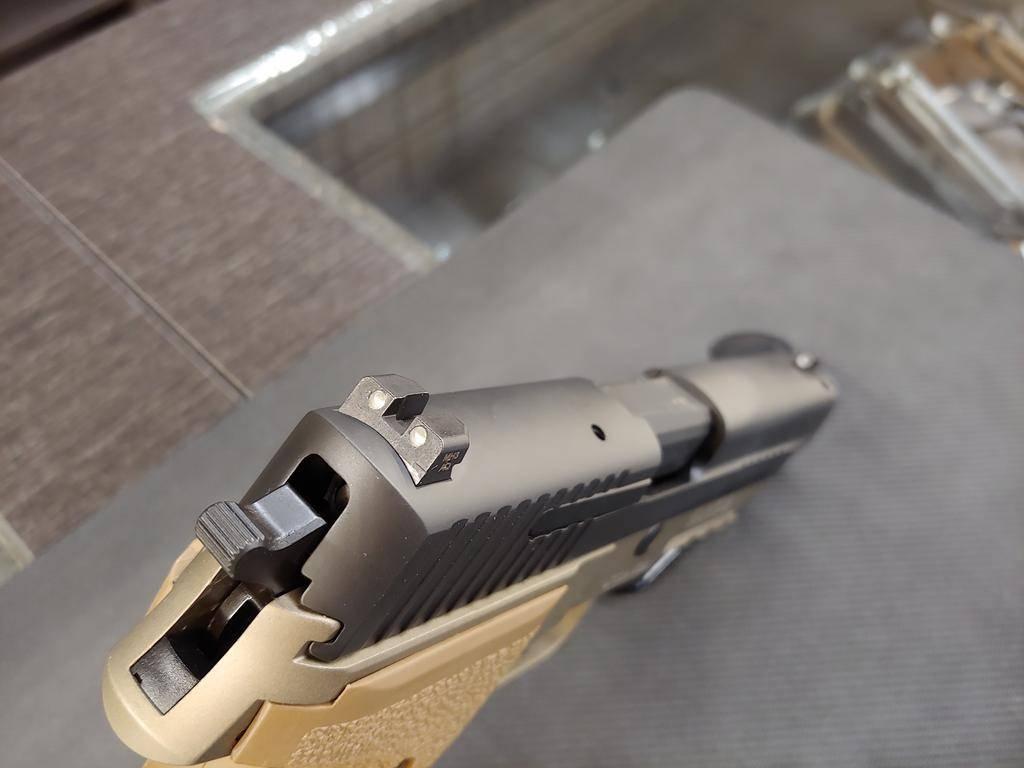 """SIG USA Sig Sauer P226 Combat 9mm 4.4 """""""