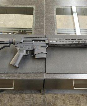 "Maple Ridge Armoury MRA Renegade Complete Rifle, 14.5"" 223 Wylde, 12"" Quantum Handguard, Magpul Furniture"