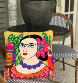 Bridge Home MUJER CON PERICO Y FLOR PILLOW...