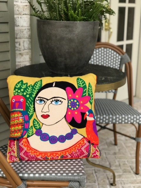 Bridge Home MUJER CON PERICO Y FLOR PILLOW KARMA LIVING PILLOW