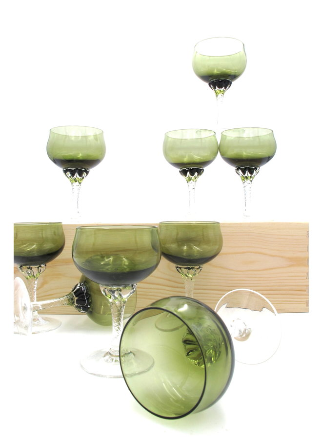 Sasaki Green Champagne Coupe Set of 9 Glasses
