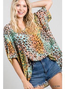 Jodifl Colorful Leopard Print V-Neck Boxy Top