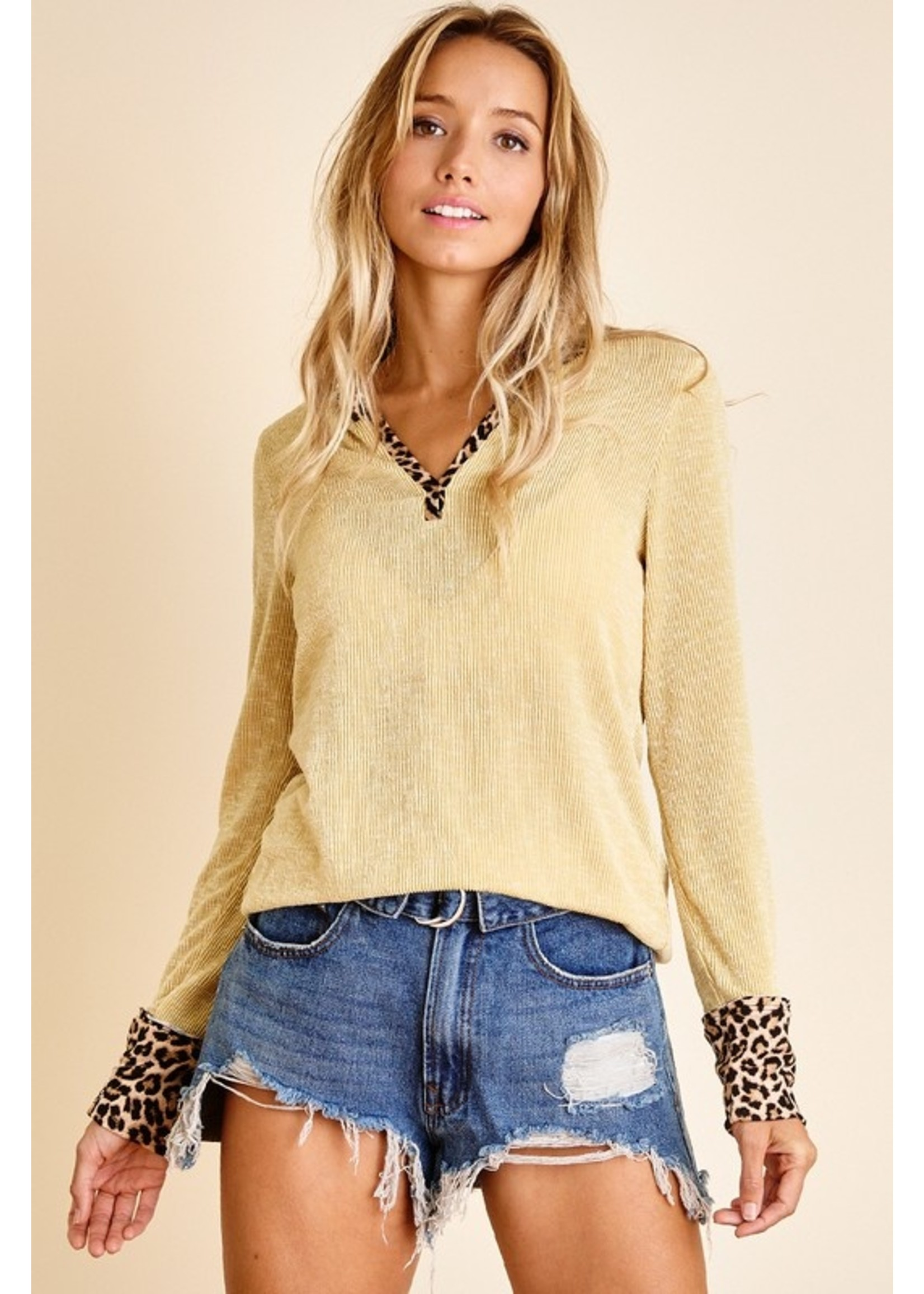 Ces Femme Solid Camouflage Contrast Textured Top