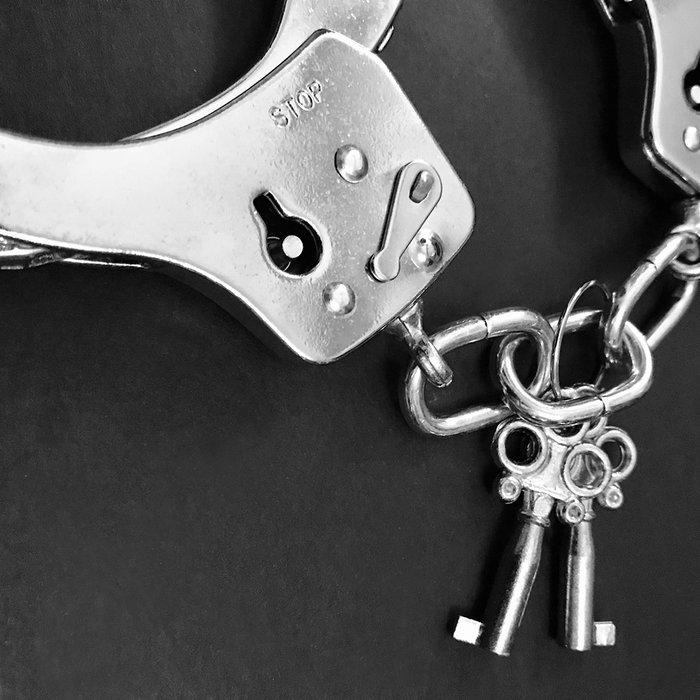 Handcuffs, Fury, Chain