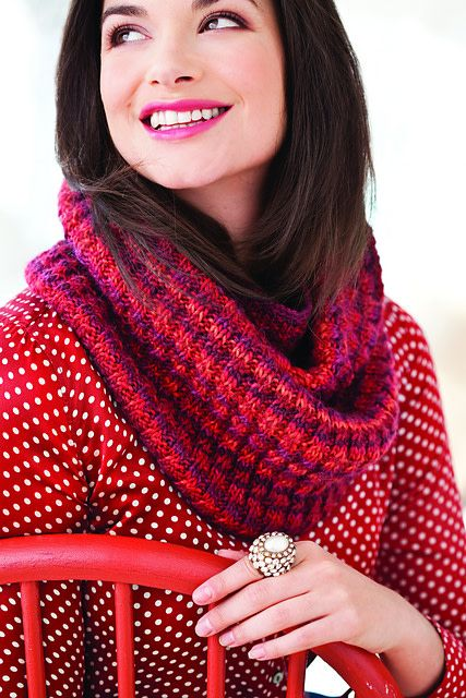 Sixth&Spring Knit Red: Stitching for Women's Heart Health