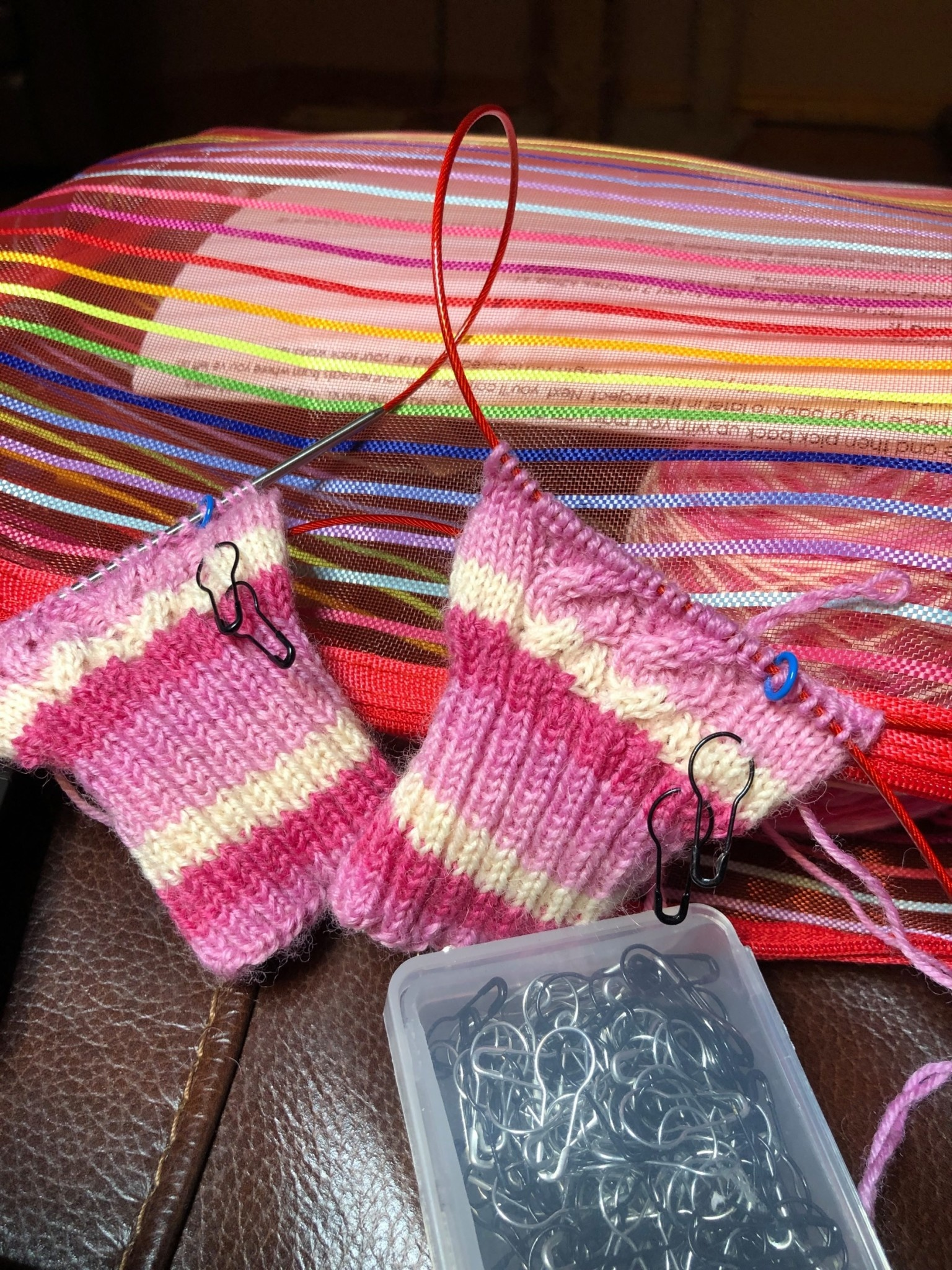 Learning the Magic Loop  Sock Class with Jen-April