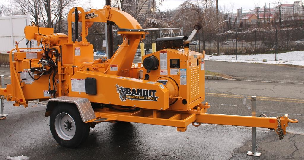 "Bandit® Intimidator 15XPC - 15"" Drum Style Chipper 145hp GM Gas Engine"