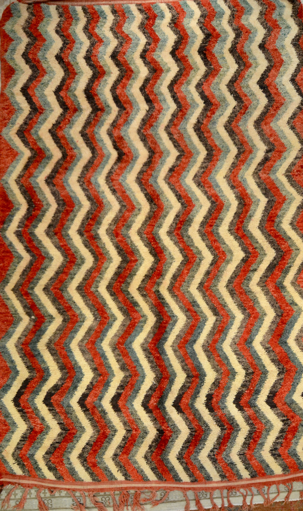 Beni O, Red Green ZigZag, 7X10