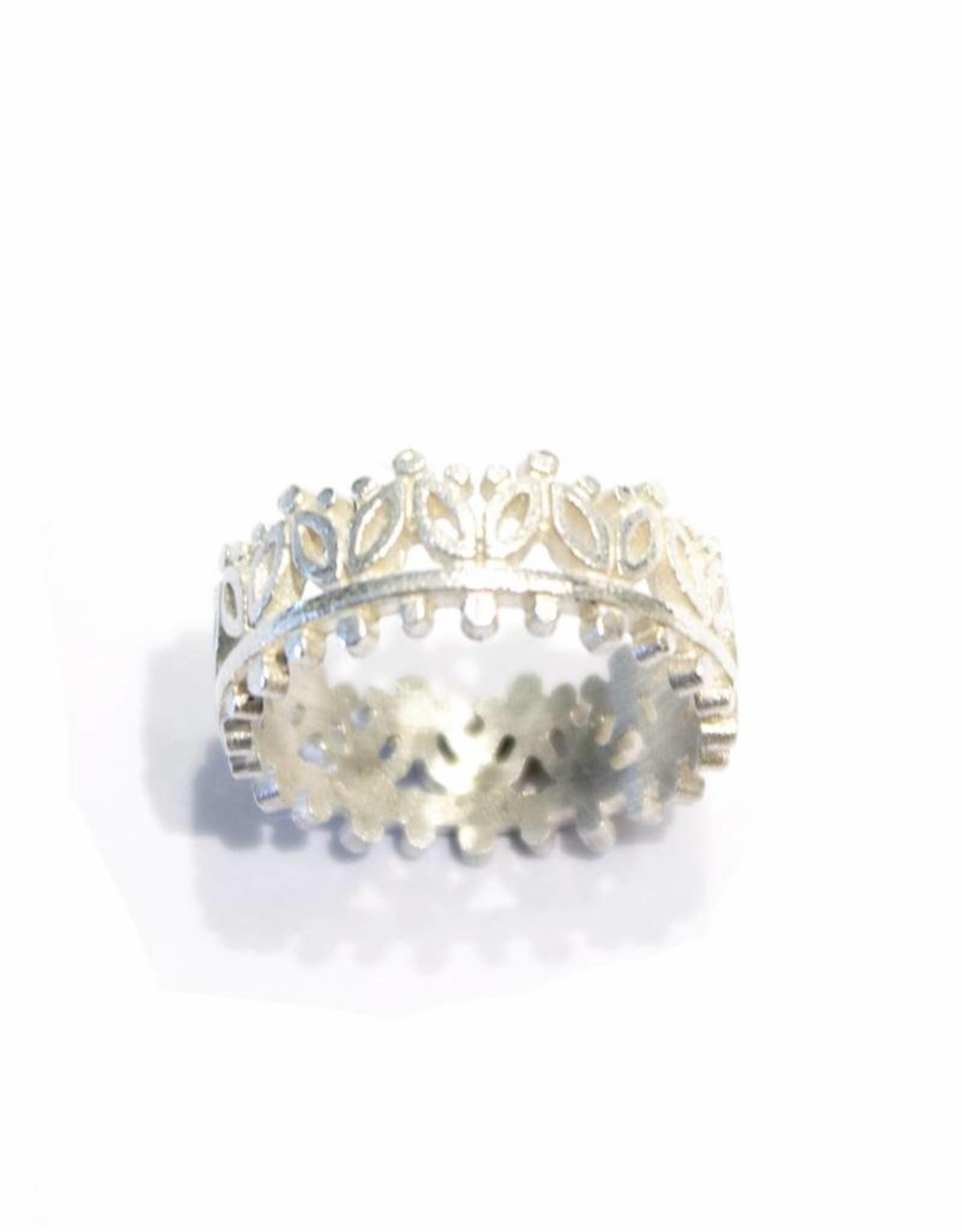 Himatsingka Madeline 2 Leaf Crown Ring