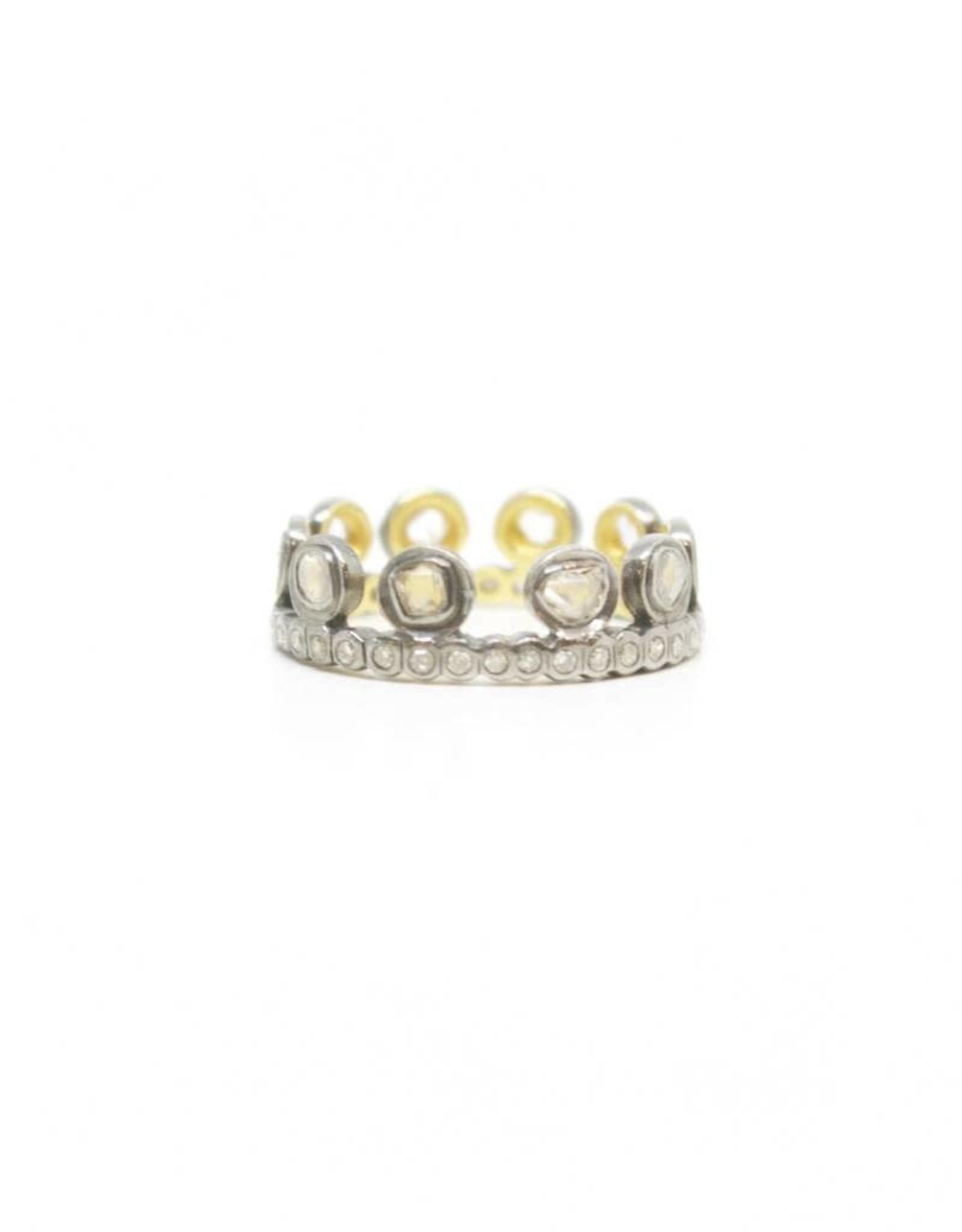 Himatsingka Lucie Dotted Crown Ring