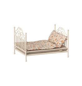 Maileg Vintage Micro Bed - Soft Sand Victorian