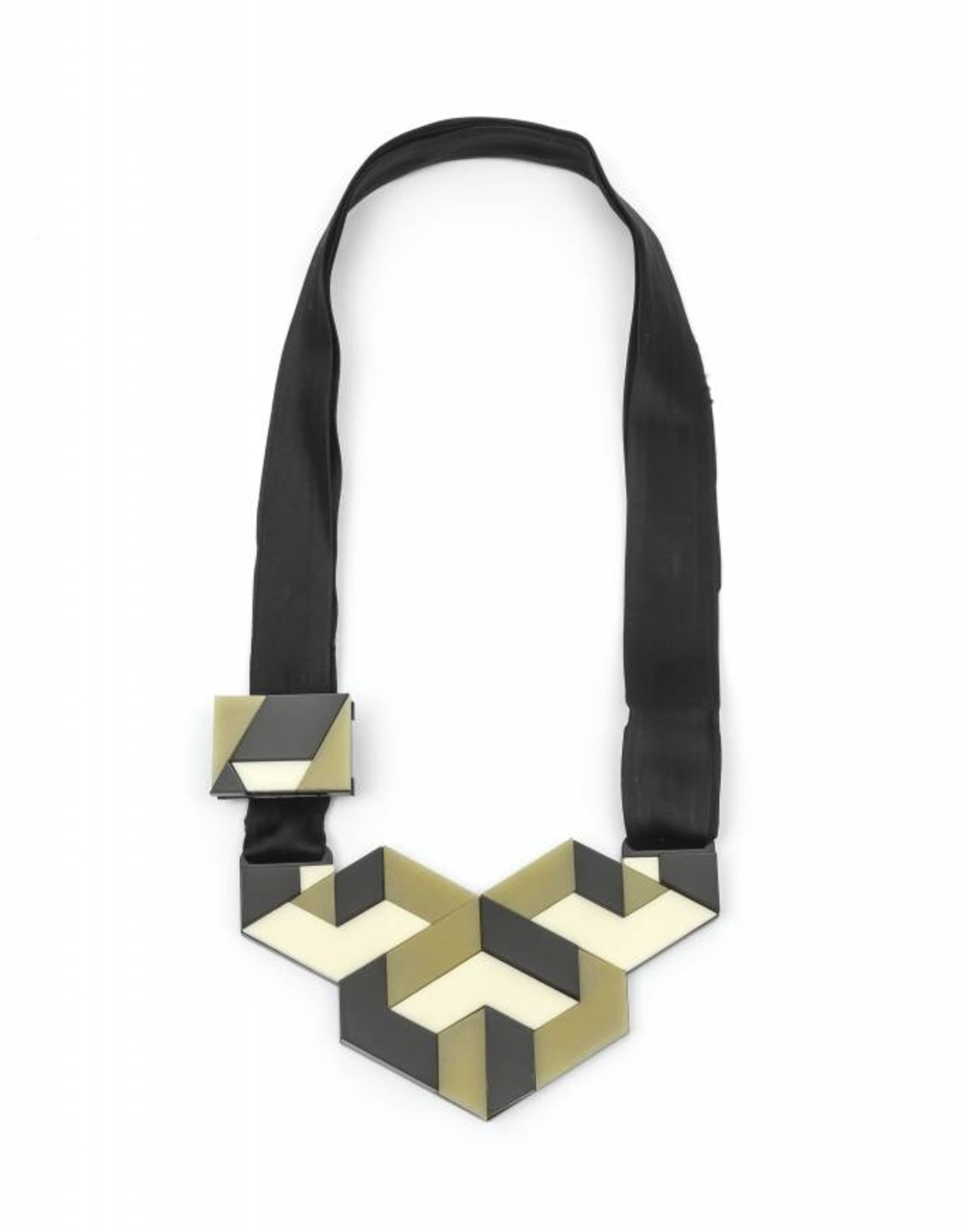 Finn America Collar Necklace