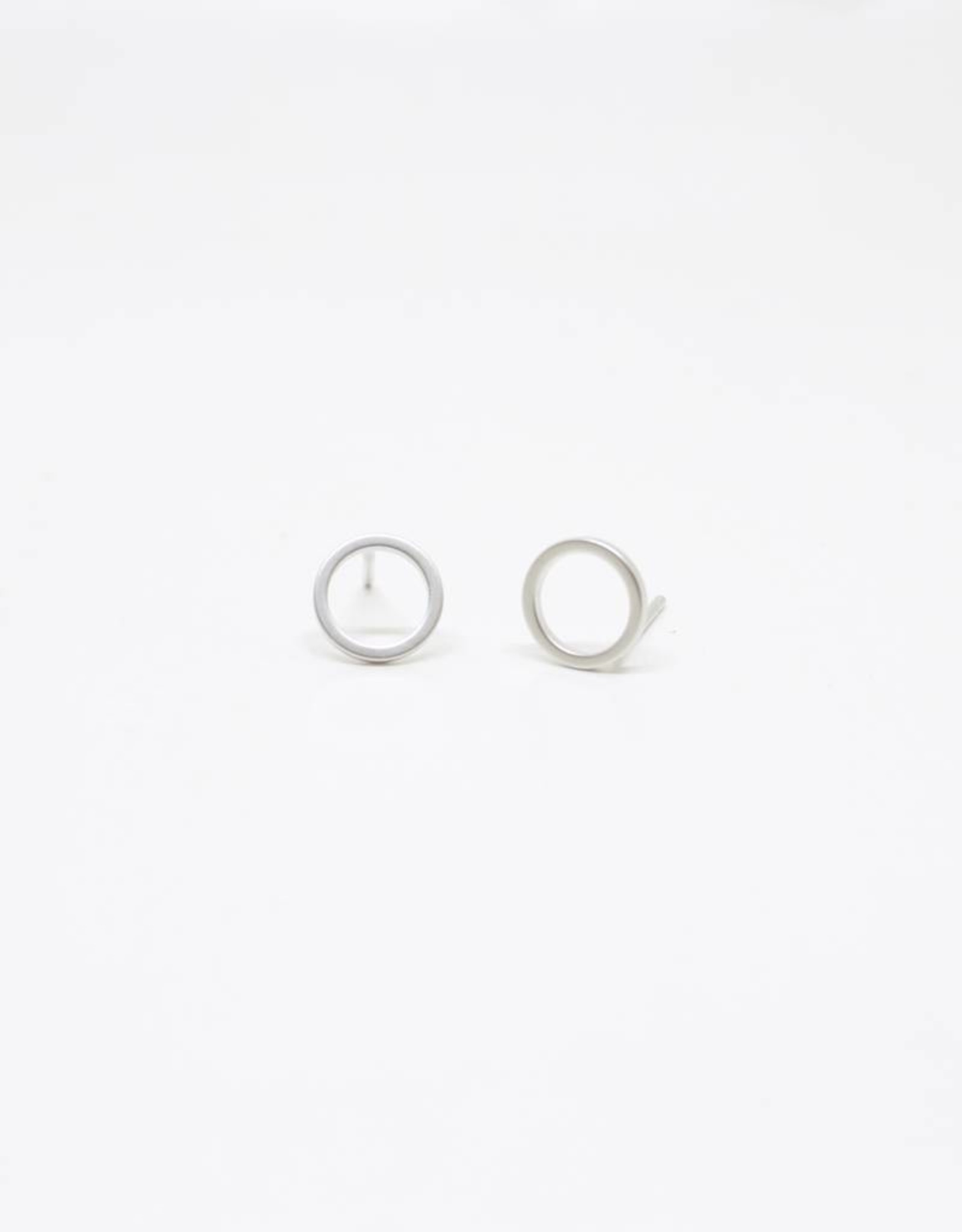 Standout Boutique Circle Stud Earrings - Circle