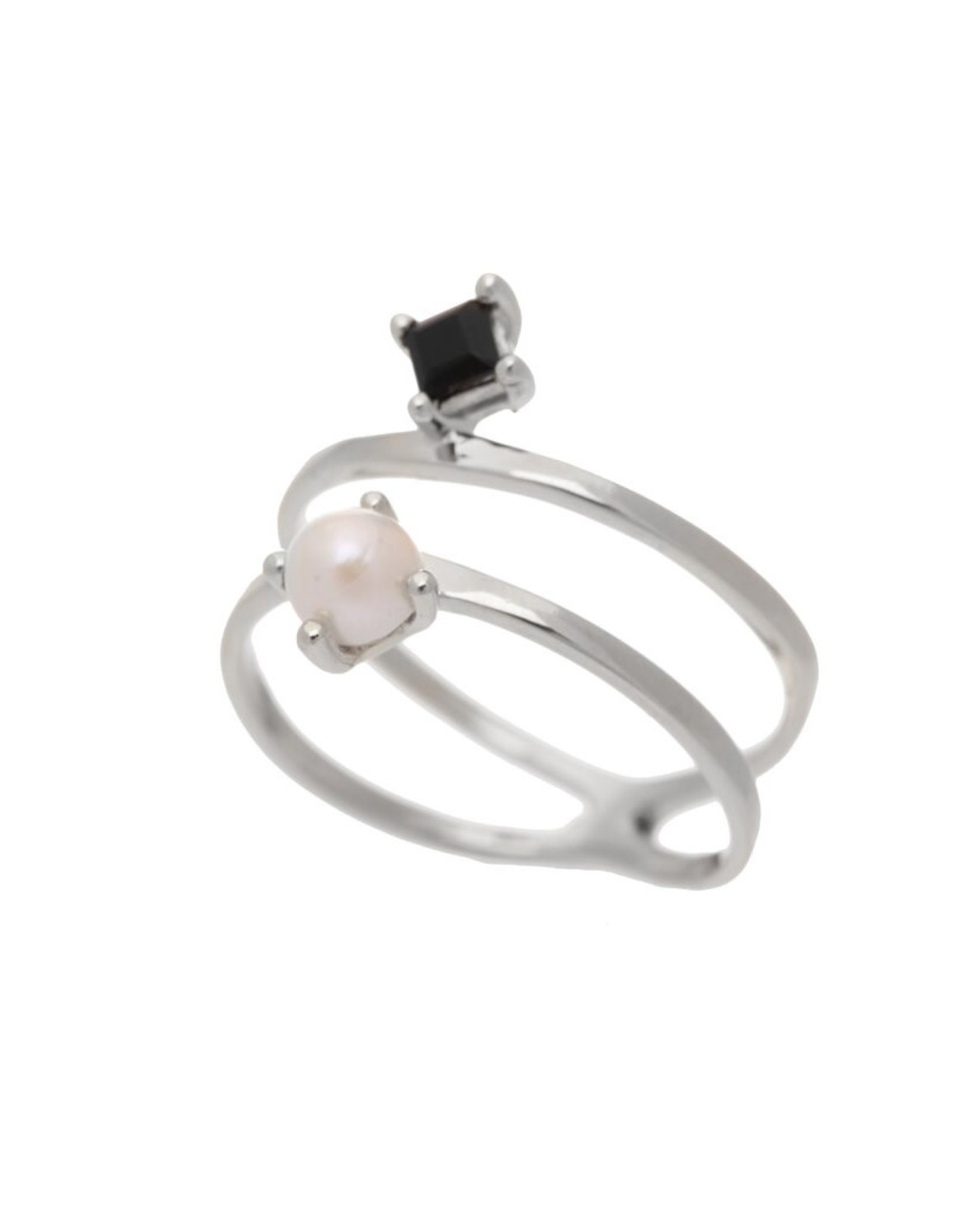 Sarah Mulder Jewelry Silver Cassie Ring - Onyx + Pearl - 5