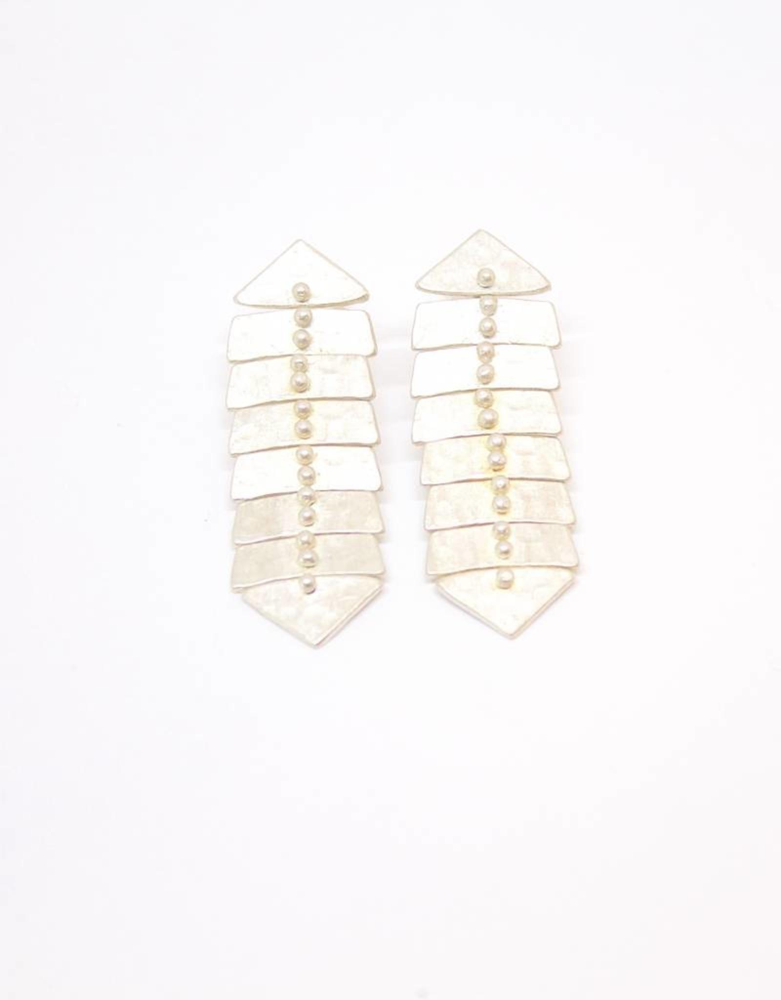 Sarah Swell Slim Fishbone Stud Earrings
