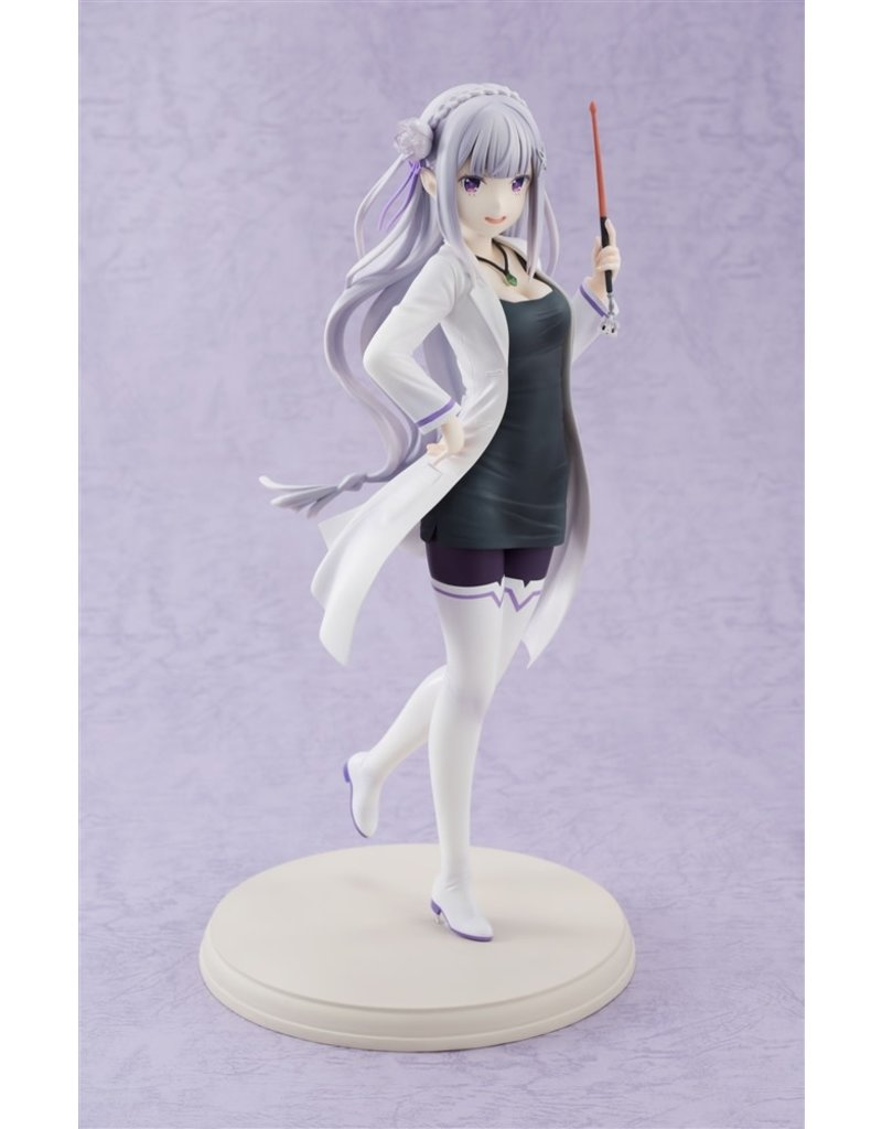 Kadokawa Emilia Re:Zero High School Teacher Vers. Figure Kadokawa