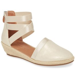 Gentle Souls Noa-Beth Ice Wedge