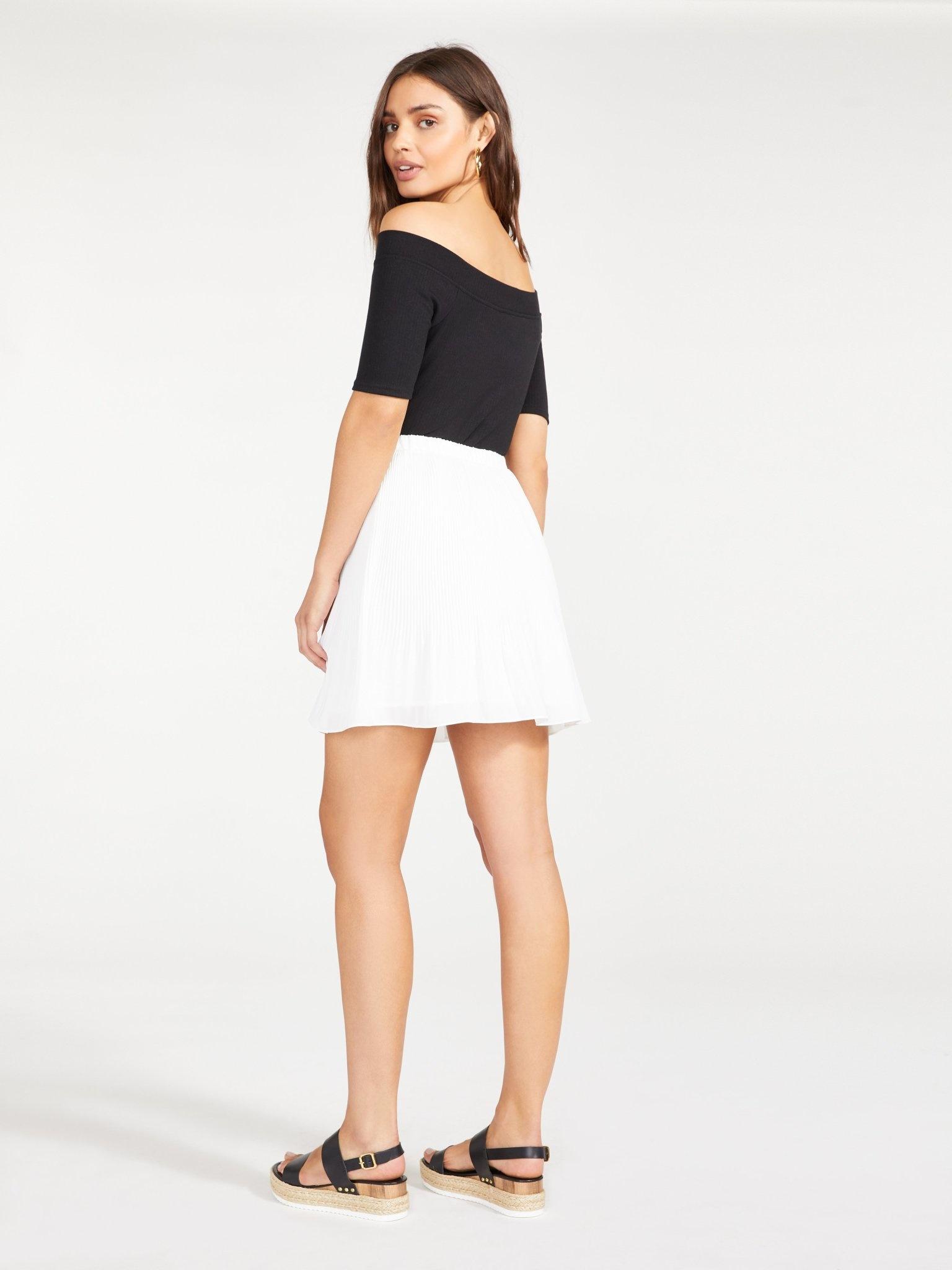 BB Dakota Life Com-Pleat Ivory Skirt