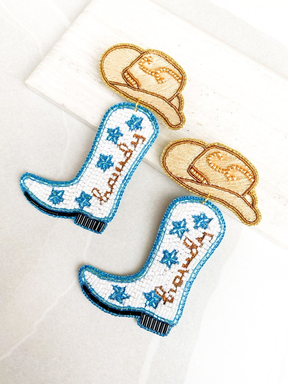 Dos Femmes Howdy Earrings
