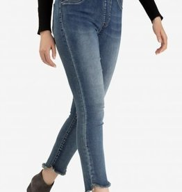 Tribal Pull On Jegging w/ Curved Hem Med Wash