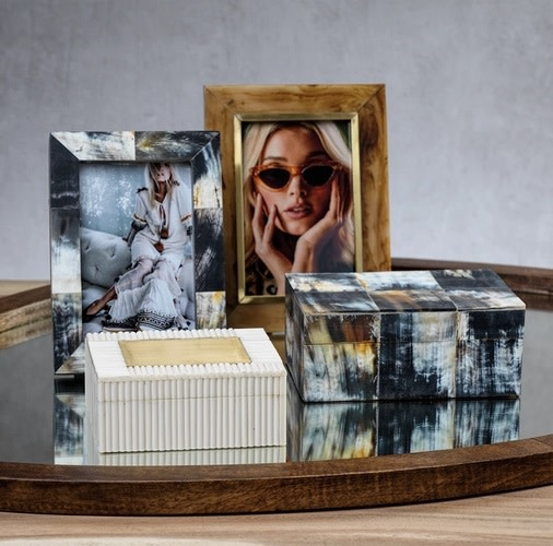 Horn Design Inlaid Photo Frame with Brass Accent