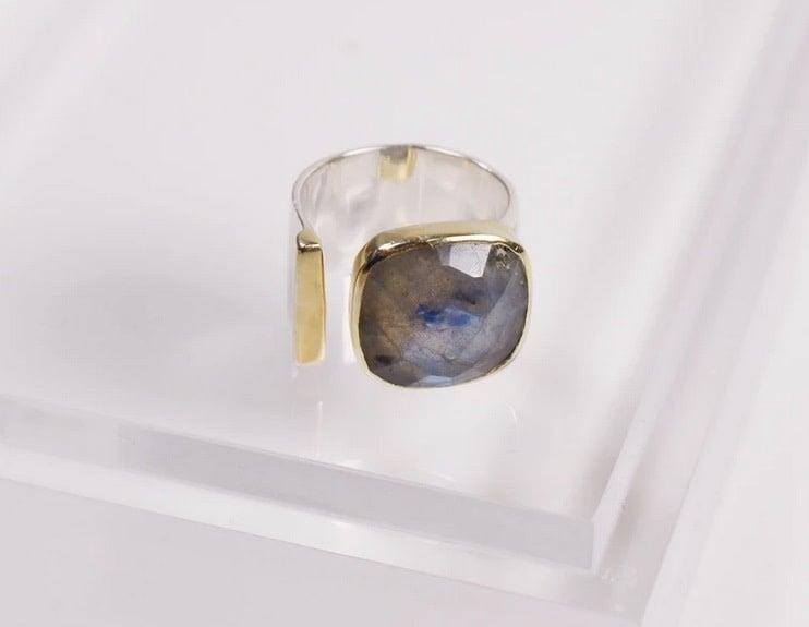 Selma Ring - Labradorite