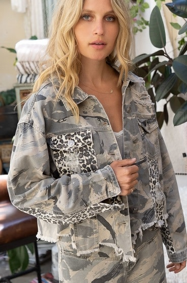 Beast Mode On Twill Jacket Grey Camo