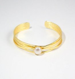 Rosalind Cuff - Freshwater Pearl