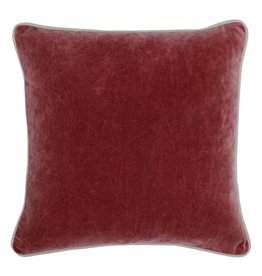 Heirloom Velvet Vintage Red 18 x 18