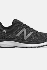 New Balance 860 v10