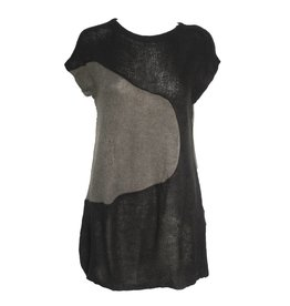 Redwood Court Redwood Court Knit Oval Tunic - Black/Grey