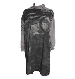 Moyuru Moyuru Crater Print Cowl Neck - Grey/Black