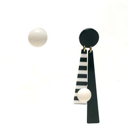 Antura Antura One Sided Earrings