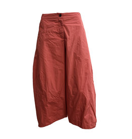 Sun Kim Sun Kim 2 Pocket Ankle Pants- Red Pinstripe