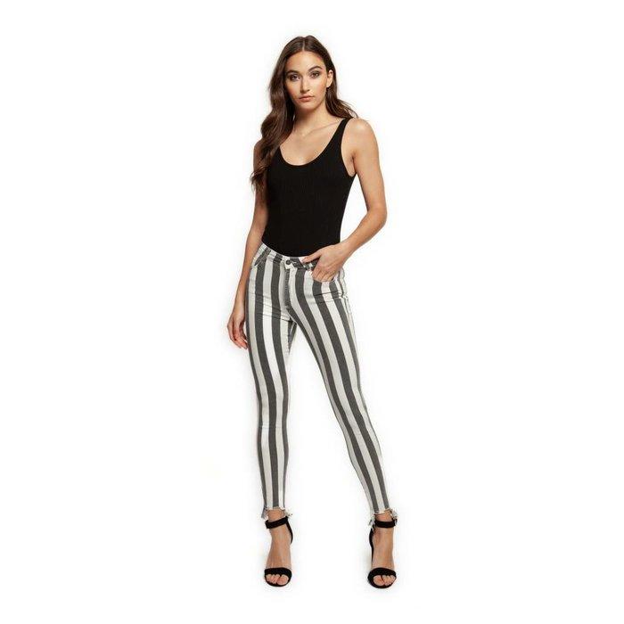 Raw Edge Hem Super Skinny Jean