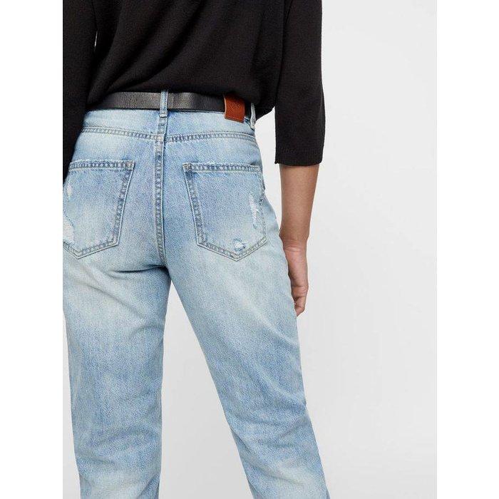 Joana Mom Ankle Jeans