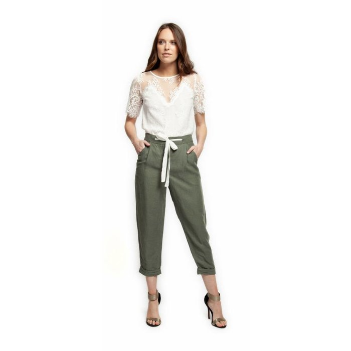 Paperbag Pant With Contrast Tie