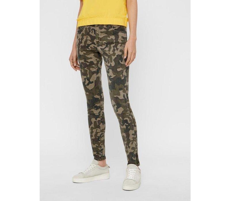 Lucy NR Slim Camo Jeans