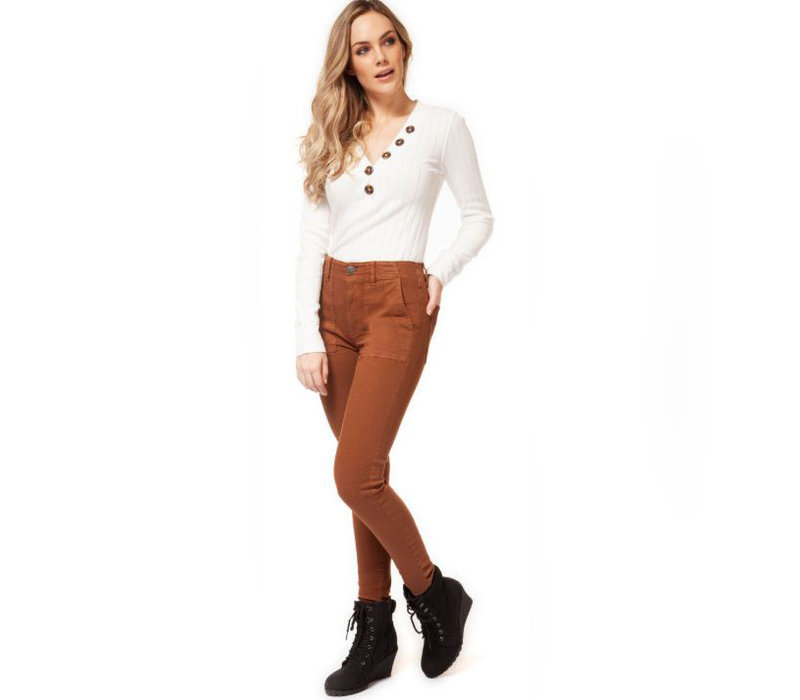 Mid Rise Pant With Seam Detail