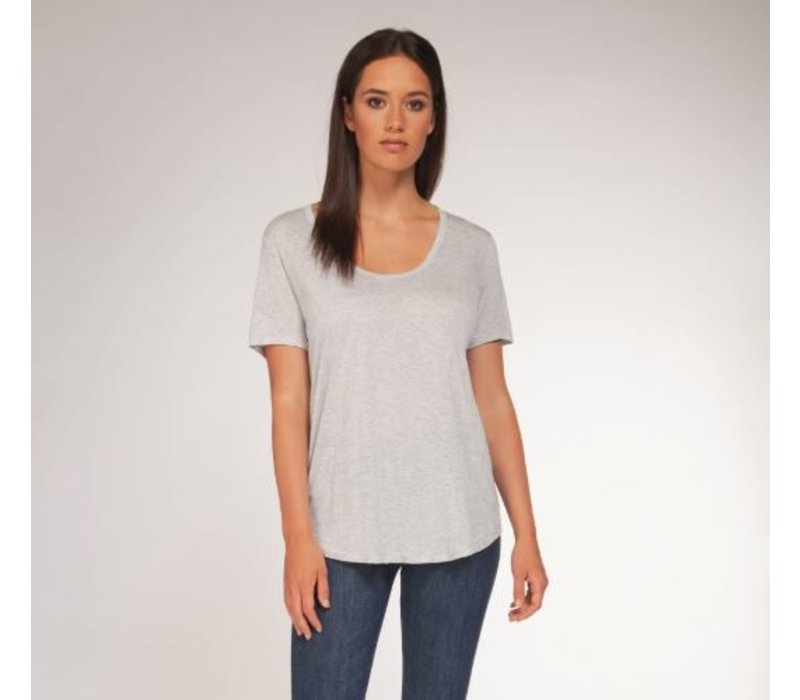 Scoop Neck Basic T-Shirt