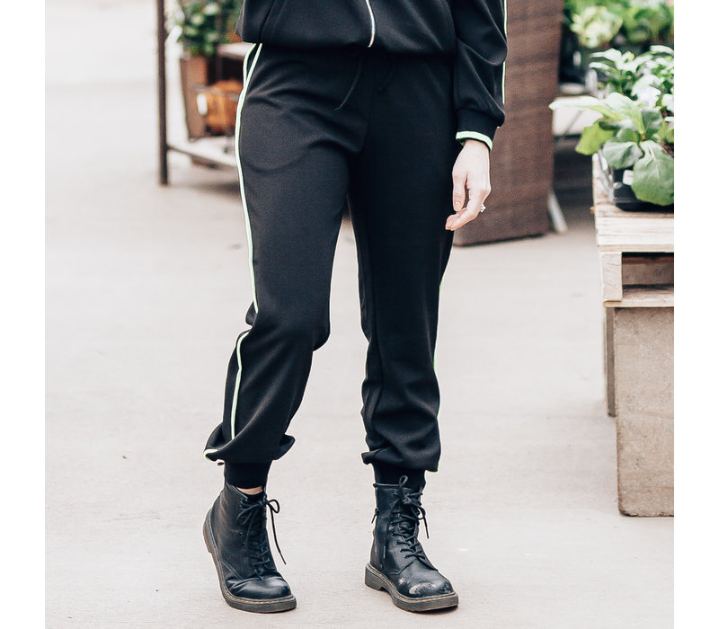 Jogger With Piping Detail