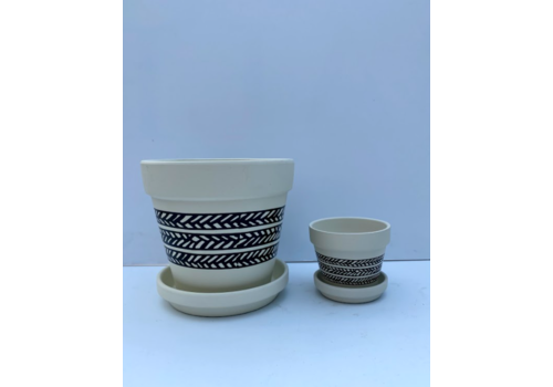 Tribal Standard Pot With Saucer