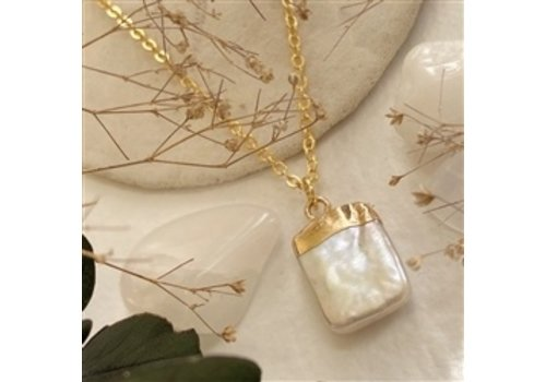 Pika & Bear Marquesas Square Pearl Charm Necklace Gold