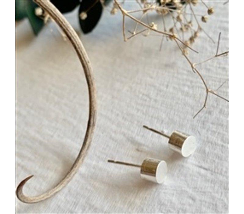 Cylin Minimalistic Stud Earrings