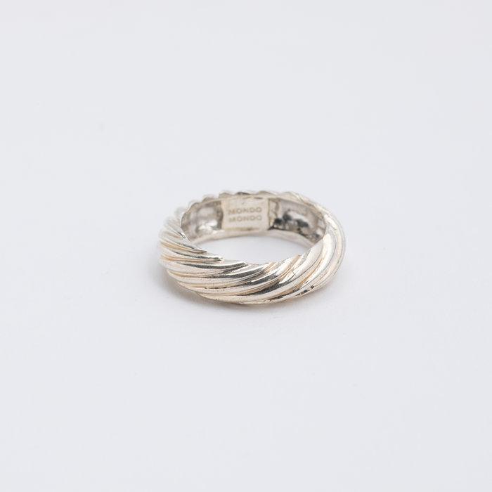 Mondo Mondo Porfirio Ring