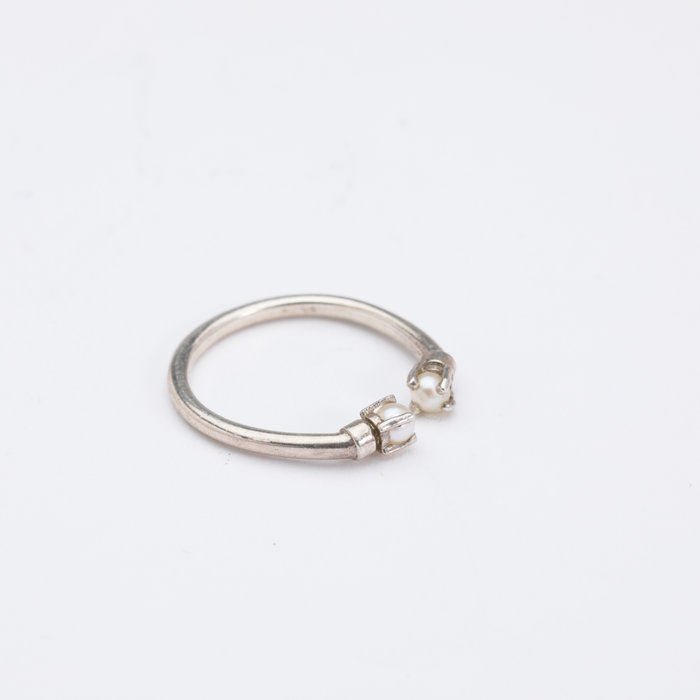 Aesa Mirror Ring with Pearls