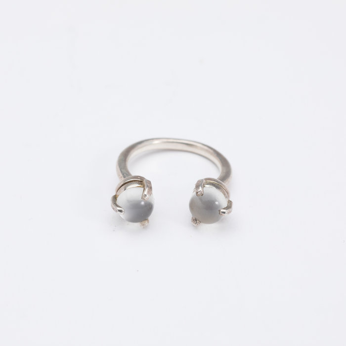 Aesa Single Wave Moonstone Ring
