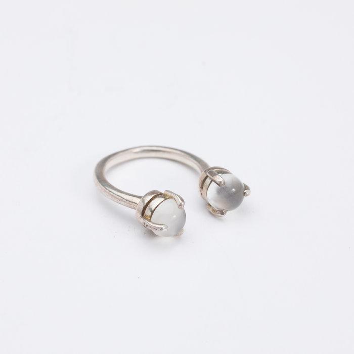 Aesa Single Wave Moonstone Ring