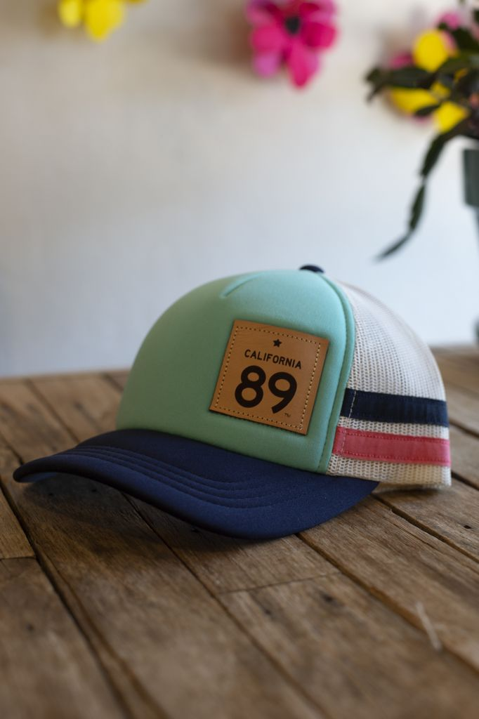 California 89 Capteur Trucker Hat